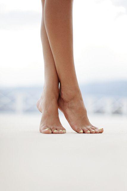 Meus pés são meus faróis.. que me guiam dentro da escuridão... eu sigo e nunca me sinto só!