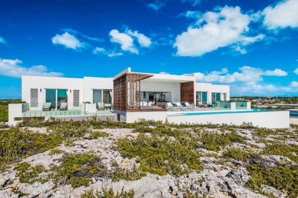 Luxury Vacation Rental Villa-Turks-Caicos-03-1 Kindesign