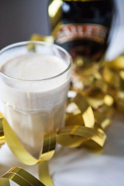 Heute habe ich noch eine alkoholische Kleinigkeit für euch: Baileys-Cocktails. Drei tolle Rezepte, mit dem tollen Cremelikör, die ihr nicht verpassen dürft!