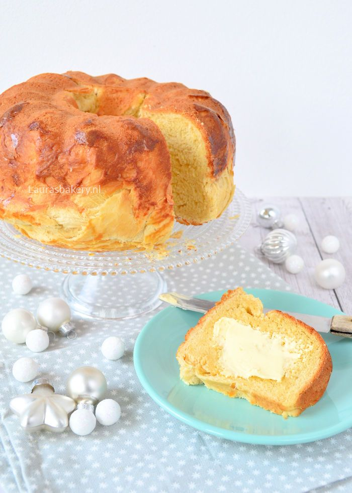 Met Kerst en Pasen zie ik heel vaak dat er een tulband cake op de ontbijttafel staat. Dat ziet er natuurlijk prachtig uit, maar het principe van een cake bij het ontbijt heb ik geloof ik nooit helemaa