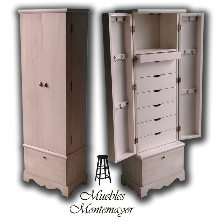 Realizamos #muebles a medida como este armario joyero pintado en blanco envejecido #decoracion #hogar #deco #mueblesamedida #blancoenvejecido