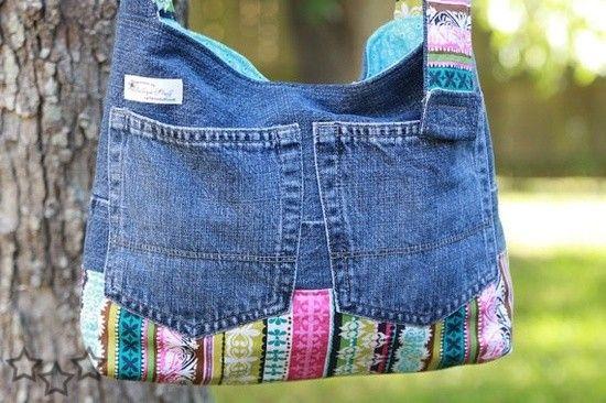 Los vaqueros o jeans viejos son un material excelente para hacer preciosas manualidades. También en esta pagina :Pulsera de vaqueros y perlasReciclar revistas30 ideas para hacer bisutería con botonesIdeas para reciclar las chapas de botellasComenta con Facebook comments