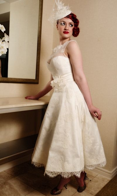 Pin-up wedding dress style