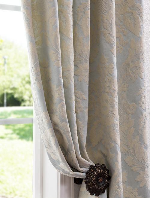 Damask Living Room Decor: Fabrics And Textiles