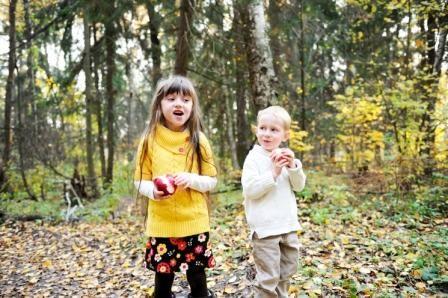 Piger i skov