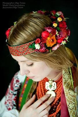 Ukrainian Dance World   «Vinok» - Ukrainian wreath