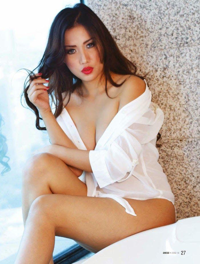 indonesia nude model desy ratnasari