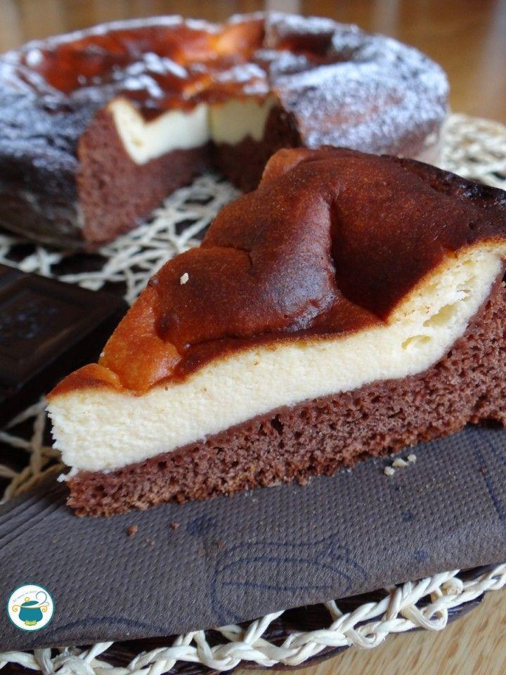 Torta magica al cioccolato con crema di ricotta