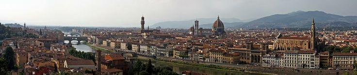 Florença, berço do Renascimento italiano, capital Toscana - Itália, considerada uma das cidades mais belas do mundo. Monumental e muito relacionada com a Arte.