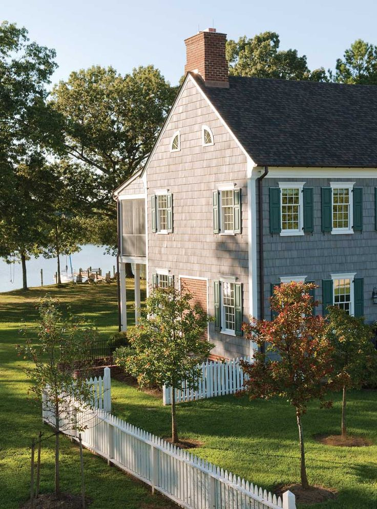 Cedar shake house on the lake 39