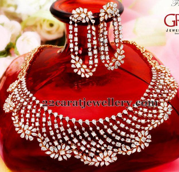 Jewellery Designs: Nice Diamond Floral Hangings