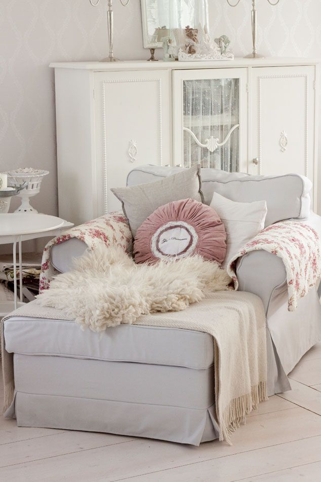 25 Best Ideas About Cozy Chair On Pinterest Cozy
