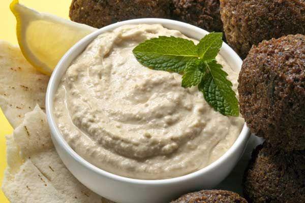 Χούμους (ρεβιθοσαλάτα με ταχίνι)