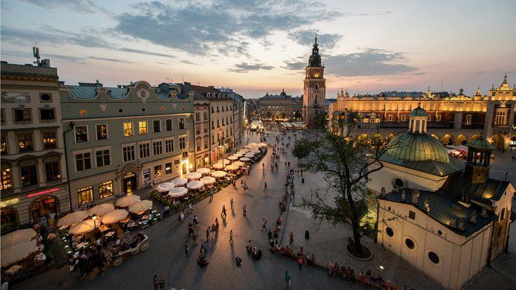 #pologne #cracovie #citytrip   Laissez-vous tenter par un citytrip étonnant à Cracovie, en Pologne, pendant 4 jours avec vols, hôtel et petits déjeuners !  http://travelbird.fr/25727/aparthotel-leone-cracovie-pologne