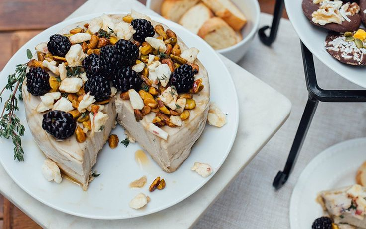 This cashew-based brie is perfect for parties! Nutty, fruity, and sweet, this soft, spreadable cheese is delightful served with crackers, fresh baguette, and chocolate.