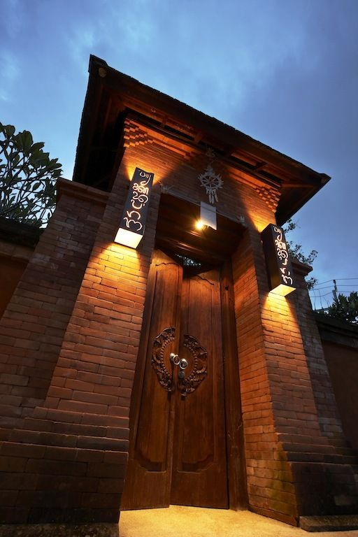Tukad Pangi Villa in Bali by Hc2 Interior Architects