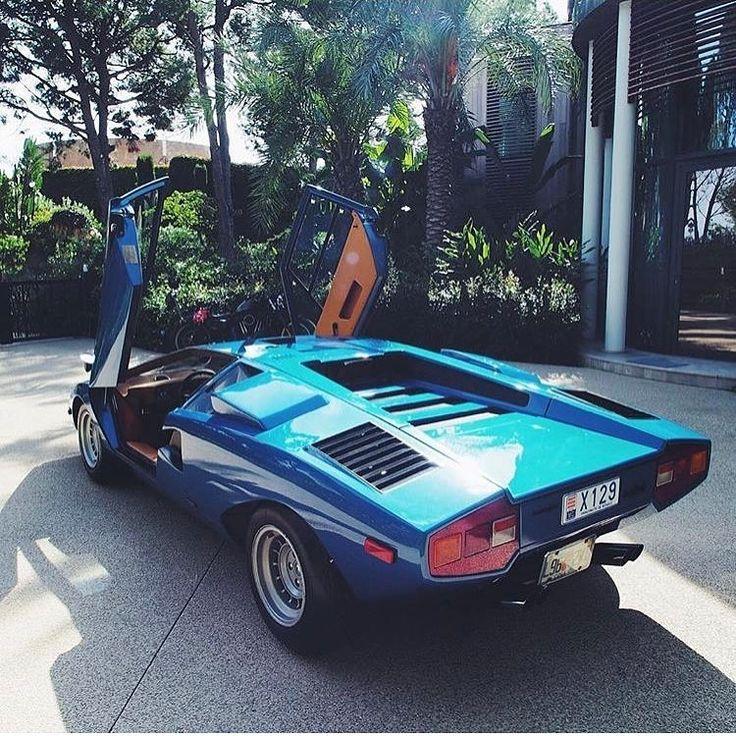 "• Blue Submarine. Lamborghini Countach LP-400 ""Periscopica"" • www.carandvintage.com By @petertyushkevich #CarVintage #submarine #monaco #lp400 #periscope #ferrari #mercedesbenz #porsche #bmw #bugatti #carporn #vintage #firstpost #first #elegance #lux #lux"