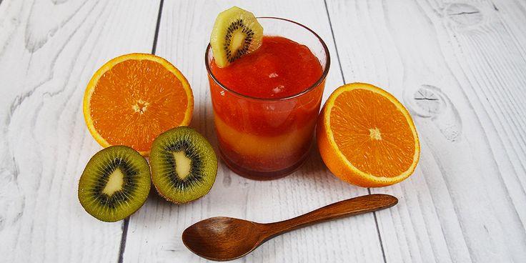 Želé obsahuje kolagén, ktorý je dôležitý pre výživu kostí, nechtov, vlasov a pleti. Poďme si teda spraviť toto chutné ovocné želé plné vitamínov!