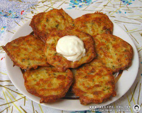 Фото рецепта: Оладьи капустные с сыром