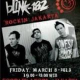Kabar tentang kebenaran konser Blink 182 di Indonesia, sempat menjadi perbincangan hangat oleh seluruh fans Blink 182 di tanah air. Bahkan kabar ini pun kerap kali membuat heboh di beberapa social media seperti twitter, terlebih lagi bermunculannya beberapa pamflet tentang konser tersebut.