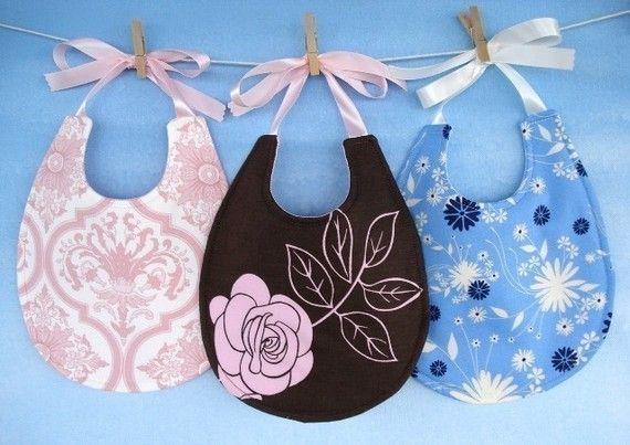 Baby Bib Sewing Pattern  Pretty Pieced Bib by preciouspatterns, $3.99