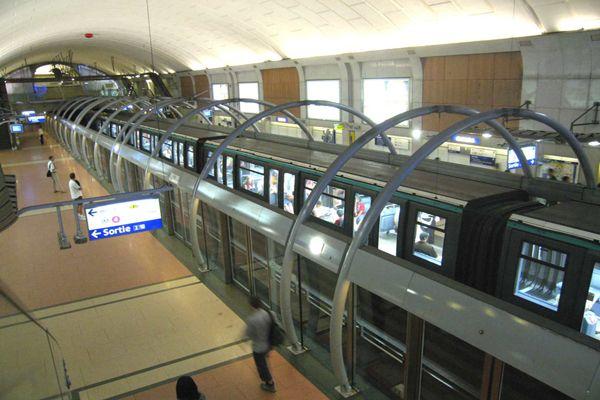 Metro Station Paris Line 1
