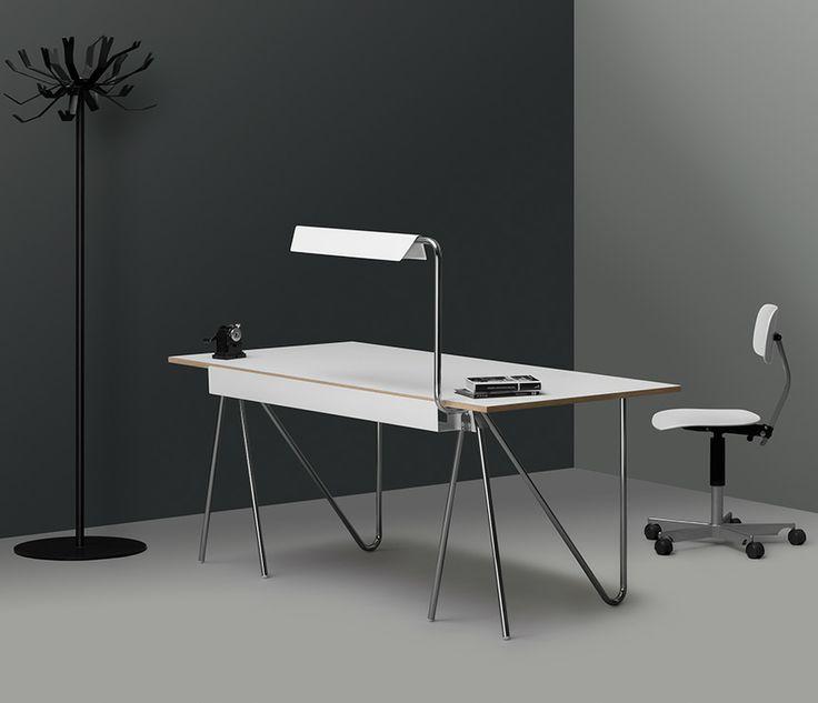 T22 Desk