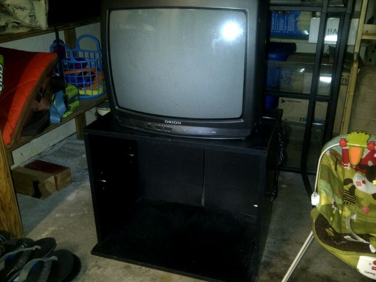 """19"""" Orion tv in Rankin_Junk_Your_Treasure's Garage Sale League City, TX for $25.00. 19"""" tv. Works good. No remote. Will throw the stand in."""