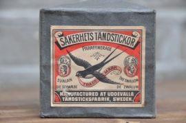 www.zuivelmuseum.nl - - - - - - - - - Lucifers, Zwaluw