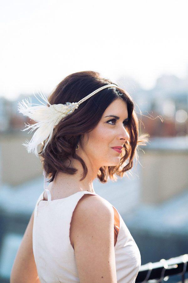 Headband Réséda – accessoire de coiffure de mariage – plumes – perles swarovski - Sautoir et Poudrier par SautoirEtPoudrier sur Etsy https://www.etsy.com/fr/listing/220502581/headband-reseda-accessoire-de-coiffure