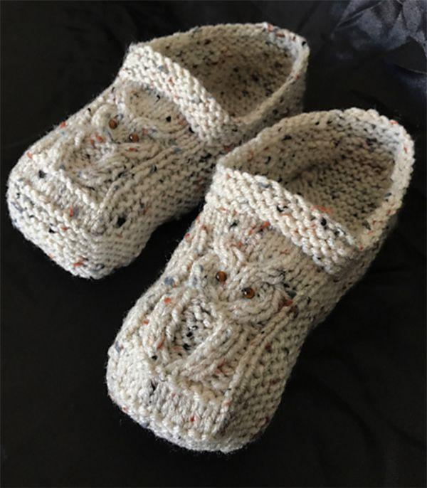 Padrão de tricô livre para chinelos de coruja de cabo - chinelos aconchegantes para caber ...