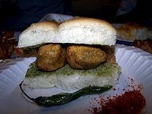 Vada Pav - A.k.a Desi BurgerVegeterian Food, Garam Vada, Vegrecip Street, Indian Vegeterian, Desi Indian, Indian Food, Desi Burgers, Fast Food, Vada Pavanyon
