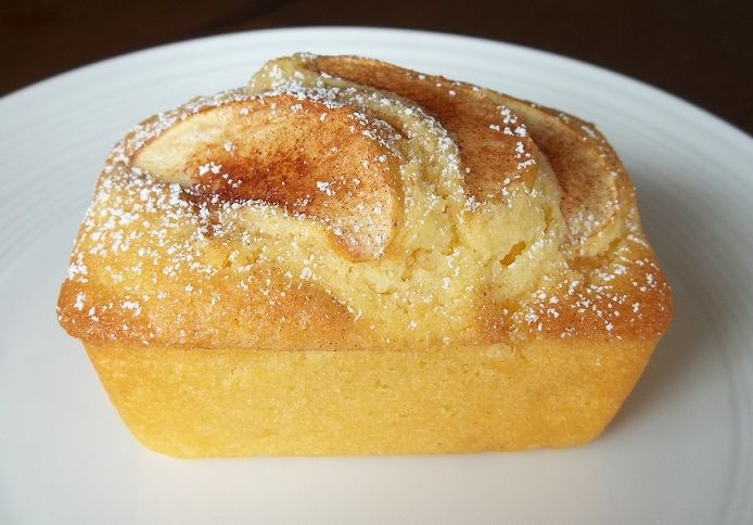 A light tea cake that can be made when unexpected guests arrive or any time at all.