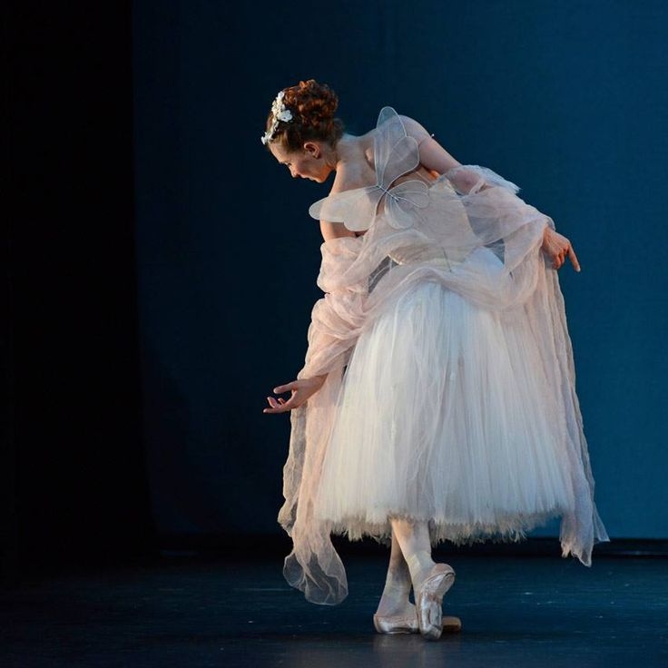 The Royal Danish Ballet's Gudrun Bojesen in La Sylphide. © Dave Morgan.
