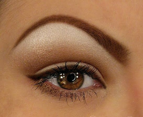 I like the makeup but I don't like the eyebrown form.