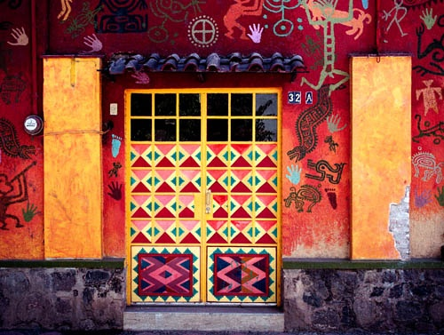 Painted doors and wall. MexicoMuch Colors, Knock, Adoor Doors, Painting Doors, Awesome Architecture, Art Architecture, Elegant Entrance, Art Ideas, Architecture Details