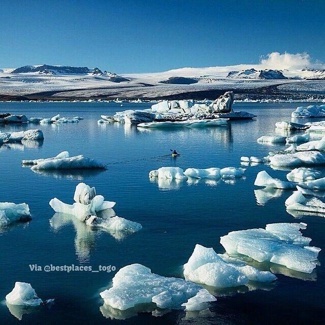 Exploring Jokulsarlon Iceland Pic Chrisburkard Destination Voyage Voyages Travel