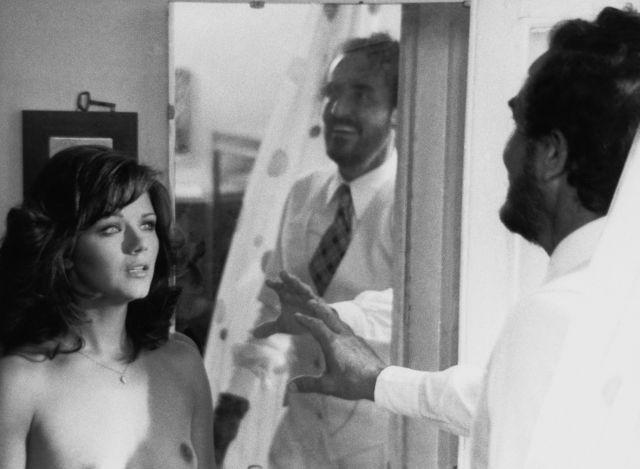 """AGOSTINA BELLI e Vittorio Gassman in """"Profumo di donna"""" di Dino Risi (Contrasto) 1974"""