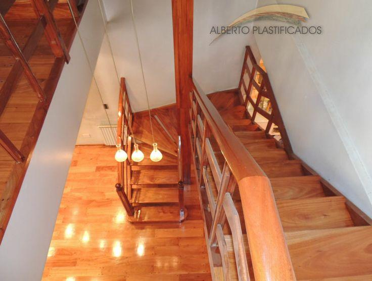 Plastificado de escalera de madera trabajos con for Escaleras de trabajo