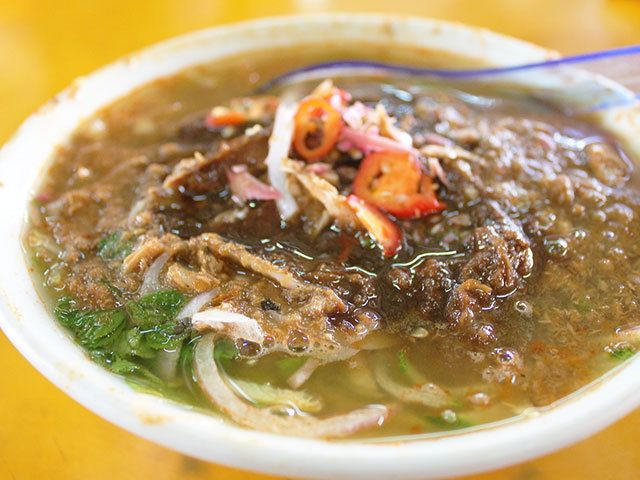 酸っぱ臭くてやみつきな麺料理 「アッサムラクサ」を食べてみて!|マレーシアごはん偏愛主義!|CREA WEB(クレア ウェブ)