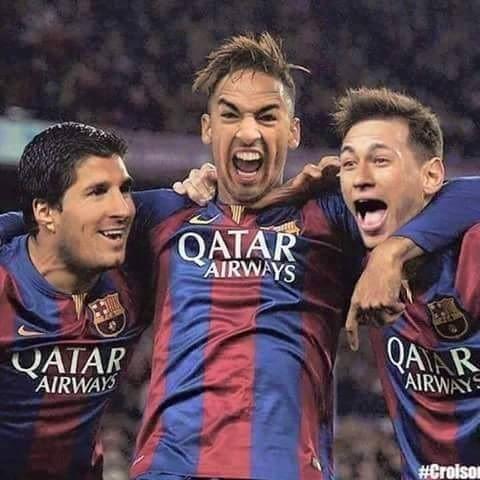 Trzech gwiazdorów FC Barcelony celebrują zdobytego gola • Lionel Messi, Neymar i Luis Suarez z innymi twarzami • Zobacz więcej >>