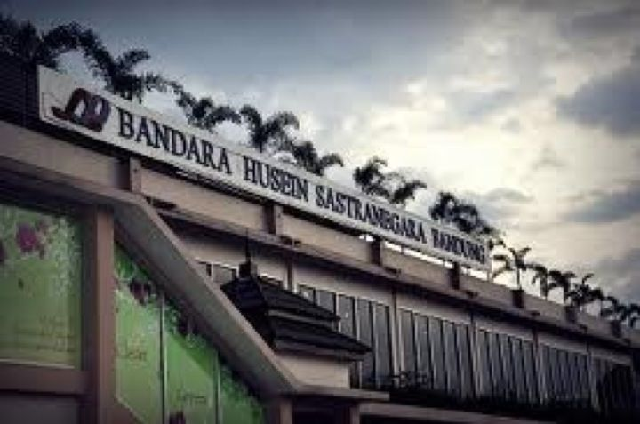 Husein Sastranegara International Airport (BDO) di Bandung, Jawa Barat