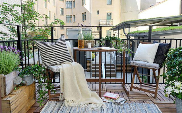 8-stylowych-pomyslow-jak-urzadzic-balkon-Poduszki