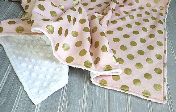 Одеяло из дизайнерского хлопка Майкла Миллера! 😱🙀 #ручнаяработа #длядетей #лоскутныйплед #лоскутноешитье #handmade #комплектнавыписку #наполнениевкроватку #вожиданиичуда #плюшminky #плюш #шьюназаказ #декорвдетскую #текстильвдетскую