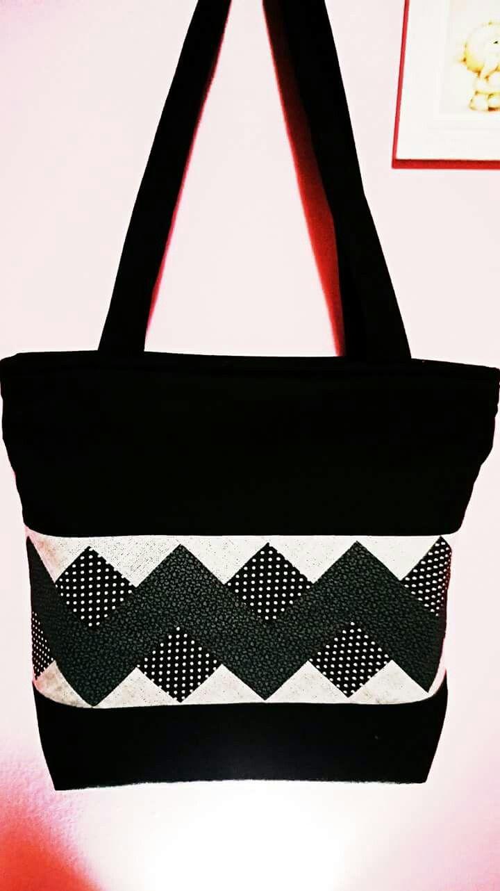 Bolsa de preta com patchwork seminole
