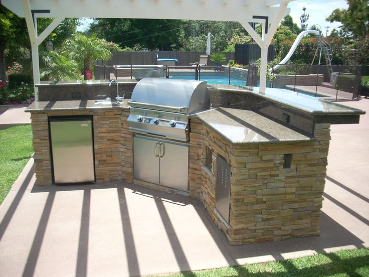 outdoor kitchens | ... Outdoor Kitchen Cabinets Creations Flagstone Outdoor Kitchen Creation