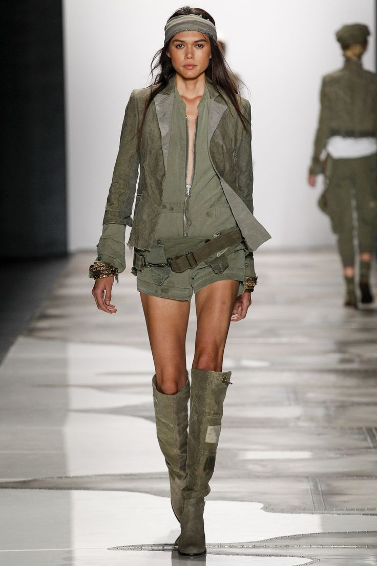 http://www.vogue.com/fashion-shows/spring-2016-ready-to-wear/greg-lauren/slideshow/collection