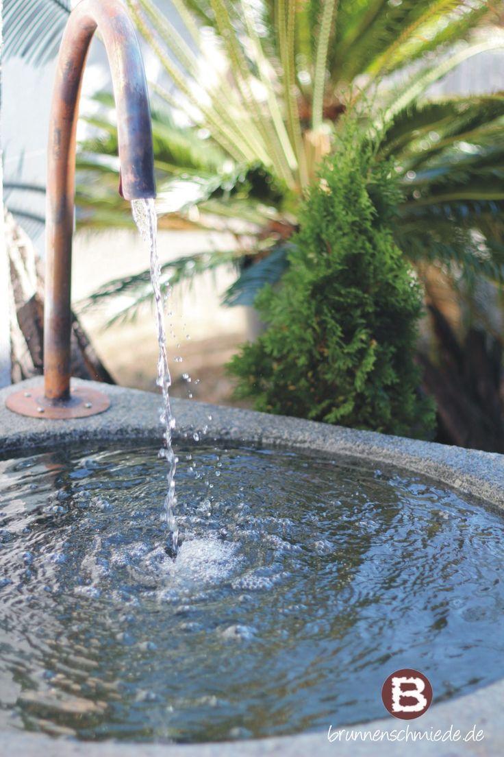 Granit Brunnentrog mit Wasserauslauf   Natursteintrog Wasserspiel www.brunnenschmiede.de