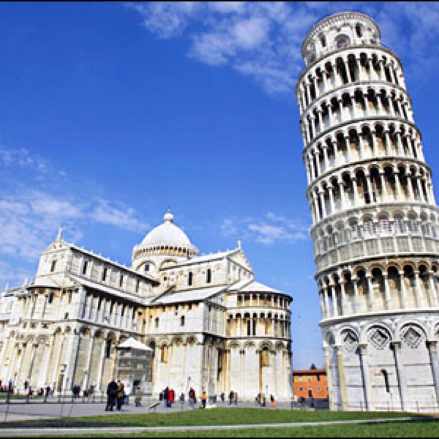 Leaning tower @ Pisa, Italy
