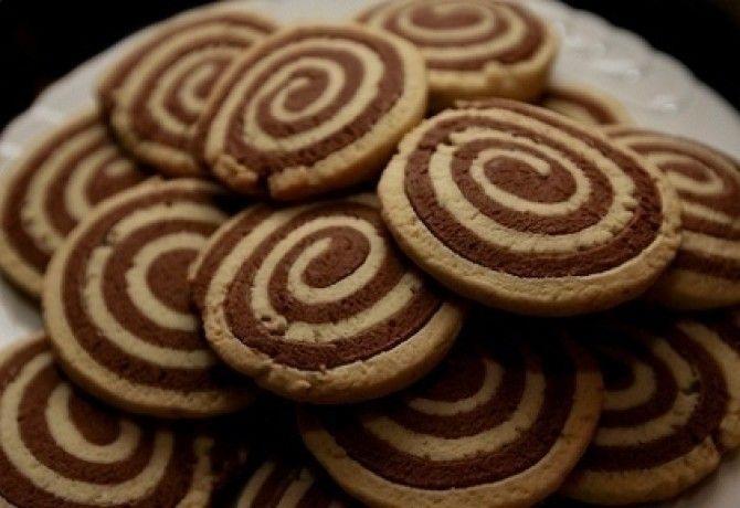 Csíkos keksztekercs